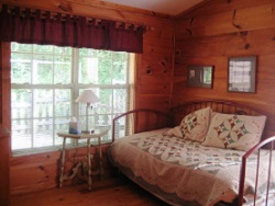 Chestnut Mountain Cabin 2nd bedroom